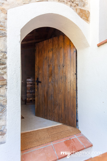 Porte vers cave
