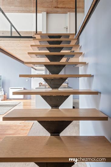 Escalier vers niveau 1