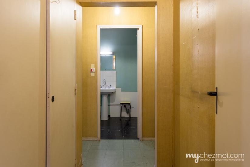 Dégagement / Salle de bains