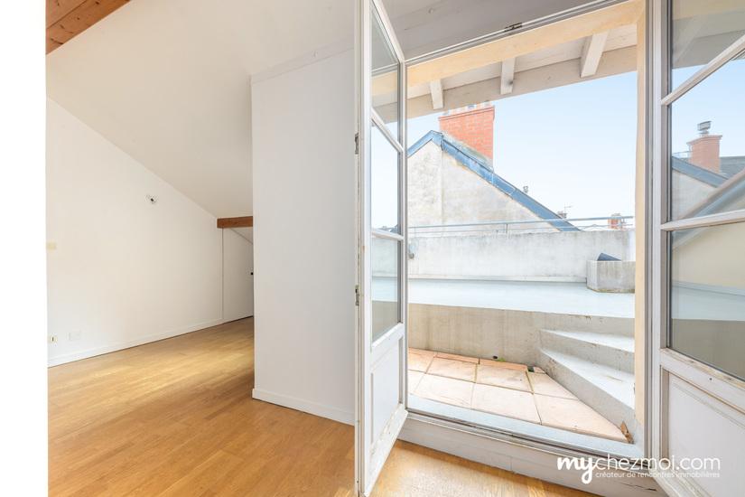 Chambre accès terrasse niveau 2